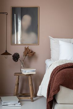 Dusty pink bedroom walls 00045 Published September 2019 at in Trackbacks are closed, but you can .Your email address will not be published. Required fields are mark Best Bedroom Paint Colors, Home Bedroom, Pink Bedroom Walls, Bedroom Interior, Dusty Pink Bedroom, My Scandinavian Home, Cheap Home Decor, Room Decor, Bedroom Colors
