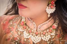 Unique bridal flower jewellery made with fresh flowers, for Haldi Ceremony! | weddingz.in | India's Largest Wedding Company | Floral Jewellery Inspiration | Indian Haldi Wedding Ceremony |
