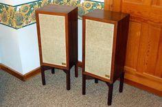 AR 3a speakers, classic. Music Speakers, Bookshelf Speakers, Speaker Stands, Speaker Design, High End Audio, Mixers, Audio System, Acoustic, Tube