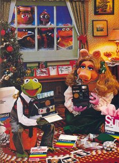 Muppets On Balcony . Muppets On Balcony . Muppet Show Openers Statler & Waldorf Seasons 2 4 Kermit And Miss Piggy, Kermit The Frog, 1980s Christmas, Christmas Movies, Muppets Christmas, Christmas Carol, Christmas Time, Christmas Adverts, Xmas