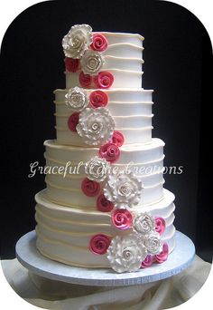 Ivory and Coral Pink Wedding Cake. I would prob use multiple pastel color for the pink ones Fancy Cakes, Cute Cakes, Pretty Cakes, Beautiful Cakes, Amazing Cakes, Yummy Cakes, Coral Wedding Cakes, Fondant, Cute Wedding Ideas
