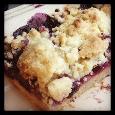 Blueberry Crumb Bars <3  www.Cookapp.com