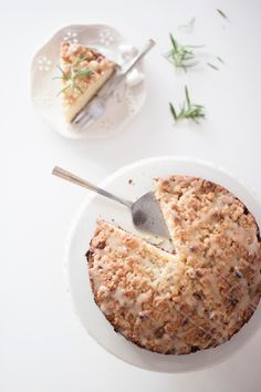Rosemary cake with pears and white chocolate