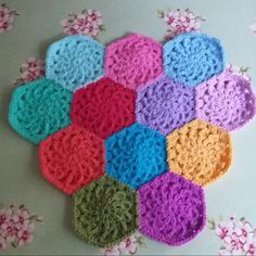 Hexieaday challenge, crochet hexagon pattern and tutorial.