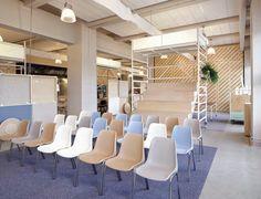 ilia estudio interiorismo: Una oficina flexible mediante sistemas de andamiaje