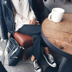 #casual #navy #cream #coffee #weekendoutfit #navypants #converse #leatherjacket LOVE-NAVY.COM