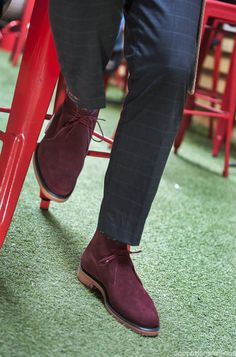 Love the color. Gentleman Shoes, Modern Gentleman, Shoe Bin, Suede Chukka Boots, Sports Footwear, Fresh Shoes, Men S Shoes, Stylish Men, Shoe Collection