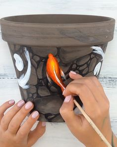 ⚡Get inspired by Amazing 📌Acrylic Outdoor Paint📌!⚡ Vibrant Colors - Create eye-catching designs with Koi Painting, Stone Painting, Painting On Wood, Bottle Painting, Acrylic Paintings, Fabric Painting, Outdoor Acrylic Paint, Outdoor Paint, Carillons Diy