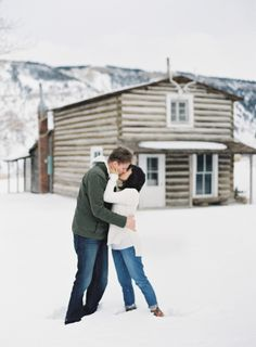 An engagement session that will warm up your winter: http://www.stylemepretty.com/2015/11/10/keep-cozy-with-these-winter-engagement-sessions/ Photography: O'Malley Photographers - http://omalleyphotographers.com/