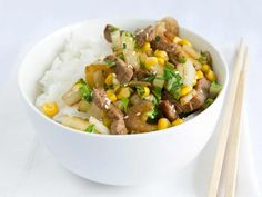 Roerbak paksoi Wok, Mashed Potatoes, Pasta, Beef, Cooking, Ethnic Recipes, Whipped Potatoes, Meat, Kitchen
