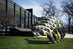 IIT design studio fabricates pavilion of carbon fiber panels
