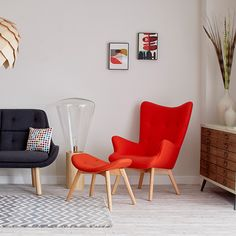 The Contour Chair is inspired by a mid-century Australian design. Although originating as a retro staple, its timeless look cleverly fits into contemporary interiors alike. Perfectly versatile to locate in any room, it is also an extremely comfortable