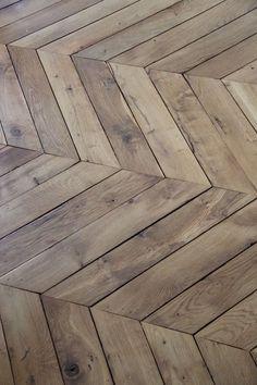 Chevron wood floor | floor designs | hardwood flooring | floor patterns | interior design ideas | Usaj Reatly