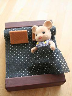 diy, crear muebles para muñecas muy fácilmente y con pocos materiales