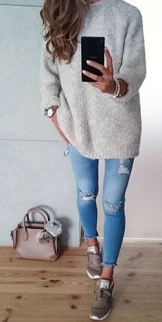 awesome This casual outfit is one of the best cute outfits for running errands!...