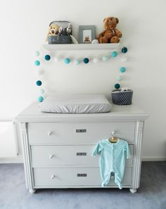 Baby boys room - paint dresser: Painting the Past, Salt