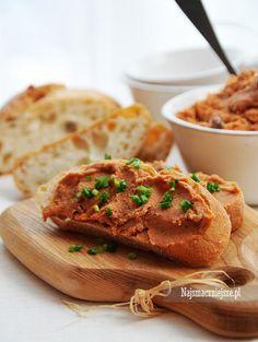 Pasta z makreli to smak mojego dzieciństwa. Pasta jest smaczna, zdrowa i szybka w przygotowaniu. Idealna na leniwe weekendowe śniadanie. Pesto, Favorite Recipes, Bread, Food, Dinner Ideas, Spreads, Recipies, Brot, Essen