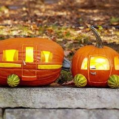 Happy Halloween! Beep beep One of these days making this cool #pintrest #pumpkin Have a great one!! #happyhalloween #fashiontruck #urbanizzy