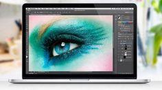美しい女性の目の写真。いかにもアップルの広告っぽいですね。Retinaディスプレイ(網膜ディスプレイ)と呼ばれるものを、広告宣伝するためには...
