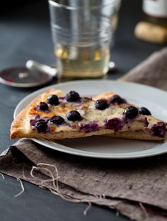 blueberry dessert pizza from spoon fork bacon