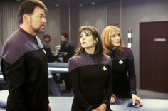 Jonathan Frakes as Commander William T. Riker, Marina Sirtis as Counselor Deanna Troi and Gates McFadden as Dr. Beverly Crusher in Paramount's Star Trek: Nemesis - 2002 Star Trek Original Series, Star Trek Series, Star Trek Enterprise, Star Trek Voyager, Star Trek Warp, Nemesis Prime, Gates Mcfadden, Star Trek Show, Star Wars