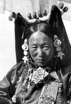 The Minister's wife. | Lhasa, ca. 1938/9 | ©Ernst Schäfer,