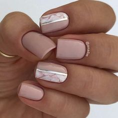 Gel-Nagellack-Design mit Marmordeckschicht – Nagels ideen You can collect images you discovered organize them, add your own ideas to your collections and share with other people. Nagellack Design, Nagellack Trends, Stylish Nails, Trendy Nails, Elegant Nails, Short Pink Nails, Short Nails Art, Wedding Day Nails, Bridal Nail Art