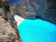 Navagio beach in Zakynthos, Greece. This doesn't look real. I guess I'll have to go see it for myself! Greece Destinations, Travel Destinations, Beautiful Places To Visit, Beautiful Beaches, Amazing Places, Dream Vacations, Vacation Spots, Yacht Vacations, Vacation Packages
