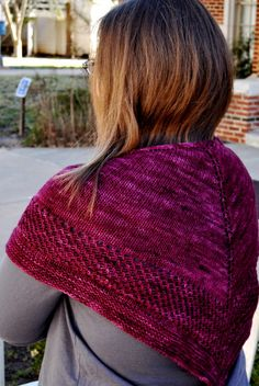 Free shawl knitting pattern @Heather Meier  Beautiful!!  I want to make this one!!