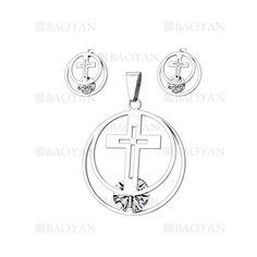 juego colgante y aretes de santa cruz con cristal en acero plateado inoxidable -SSSTG1074281