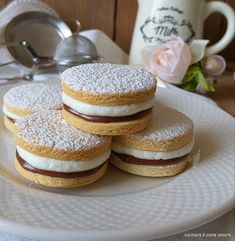 Mini Nutella Glas, Burfi Recipe, Biscuits, Biscotti Cookies, Food Garnishes, Macaron Recipe, Cafe Food, Cookie Decorating, Sweet Recipes