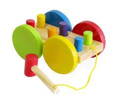 Brinquedo Educativo de Madeira Carro Bate Pinos, além de muito divertido estimula o desenvolvimento motor, a…