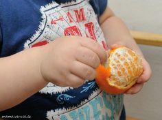 Montessori aktivita prot batolata - loupání mandarinky // Montessori activity for toddlers - peeling a mandarine //  #montessori #toddler #toddlerteaching #mandarinepeeling #batole #batoleciuceni #loupanimandarinky #practicallifeskills