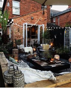 Here is some back patio Inspo for your Monday! What do you. by Your Spaces Patio Interior, Interior Exterior, Exterior Design, Backyard Seating, Backyard Patio, Cozy Patio, Outdoor Spaces, Outdoor Living, Outdoor Decor