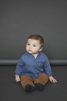 Baby Boy Dress, Cute Baby Boy Outfits, Cute Outfits For Kids, Cute Baby Clothes, Cute Kids, 6 Month Baby Picture Ideas Boy, Baby Boy Pictures, Outfits Niños, Newborn Outfits
