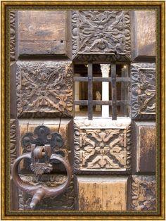 VENICE - Impression > Courtyard Door