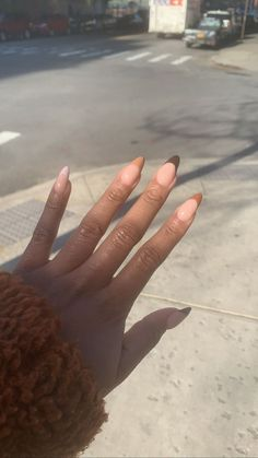 Hairstyles brown nails design, black nail designs, oval n& Almond Acrylic Nails, Best Acrylic Nails, Fall Almond Nails, Rounded Acrylic Nails, Long Almond Nails, Almond Nails French, Almond Nail Art, Almond Shape Nails, Minimalist Nails