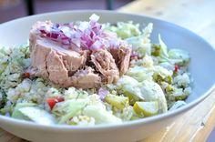 Salata cu quinoa si ton - reteta Quinoa, Grains, Rice, Eat, Food, Meals, Yemek, Jim Rice, Eten