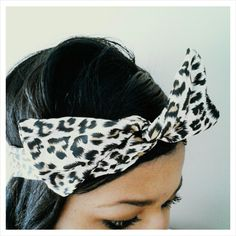 Super Mod Wire Headwrap A very lightweight, soft cotton, headwrap with self-tie front closure. The flexibility and comfort of the wire is unbelievable