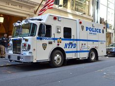 Old Police Cars, Police Truck, Police Patrol, Police Station, Police Vehicles, Emergency Vehicles, Fire Department Ranks, Nypd Blue, 1st Responders