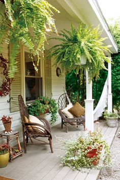 Terraza fijado por Nadine Valejo Even though old within notion, the particular pergola has become Planter Beds, Getaway Cabins, Roof Structure, Outdoor Spaces, Outdoor Decor, Container Plants, Play Houses, Curb Appeal, Outdoor Gardens