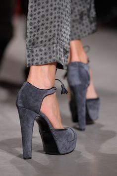 Chaussures à talons grises