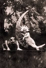 Hogdini Sisters 1920 Vaudeville act Old Circus, Night Circus, Vintage Circus, Vintage Moon, Vintage Pictures, Old Pictures, Cabaret, Pierrot, Circus Performers