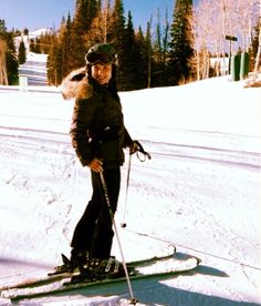 Jessica Capshaw, Arizona Robbins, Greys Anatomy, Canada Goose Jackets, Tv Shows, Winter Jackets, Selfies, Utah, Bunny