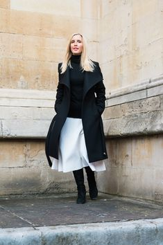 How to wear a white skirt in winter. Faux Fur Cropped Jacket, Weekend In London, Winter Skirt, Polo Neck, Wool Skirts, Elegant Outfit, Ankle Strap Heels, White Shirts, Black Tops