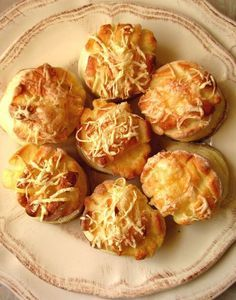 Pogácsa, Budapest, Hungary - Small, bite-sized biscuits, dense and doughy in the center and often topped with cheese. Croatian Recipes, Hungarian Recipes, Pastry Recipes, Cooking Recipes, Hungarian Cuisine, Best Party Food, Savory Pastry, Salty Cake, Bread Bowls