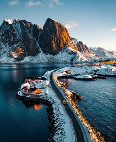 Hamnøy is the Oldest and Most Picturesque Fishing Village in the stunning Lofoten archipelago. Lofoten is known for a distinctive scenery with dramatic mountains and peaks, open sea and sheltered bays, beaches and untouched lands. Lofoten, Lago Tahoe, Alaska, Travel Photographie, Norway Travel, Voyage Europe, Beautiful Places To Travel, Travel Aesthetic, Travel Goals