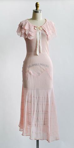Vintage 1930s petal pink sheer bias cut dress | Daystitch Petals Dress #vintagedress #1930s