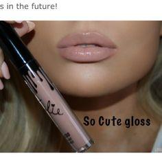 """Kylie Jenner Lip Gloss in """"So Cute"""" Kylie Lipstick, Liquid Lipstick, Makeup Tips, Beauty Makeup, Makeup Goals, Makeup Products, Makeup Ideas, Beauty Products, Gloss Kylie Jenner"""