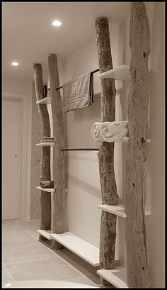 Bad-in-Order-Hold-with-DIY-Holzstamm-Handtuchhalter - Home Maintenance - No Make Up - Glasses Frames - Homecoming Hairstyles - Rustic House Diy Casa, Log Furniture, Furniture Ideas, Home Projects, Wooden Projects, Diy Home Decor, Sweet Home, House Design, Chalet Design